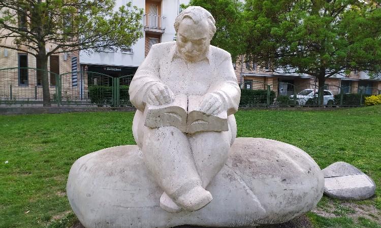 Olvass online! - Lázár Ervin 1936-ban május 5-én született