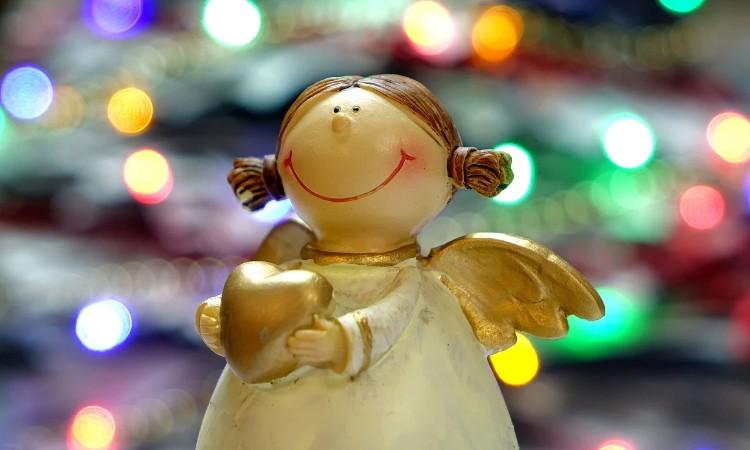 """Péntek esti mesék - """"Kis karácsony, nagy karácsony …"""""""