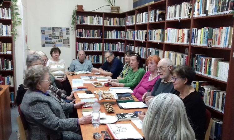 Versbarátok klubja - közös verselés a Magyar költészet napja alkalmából